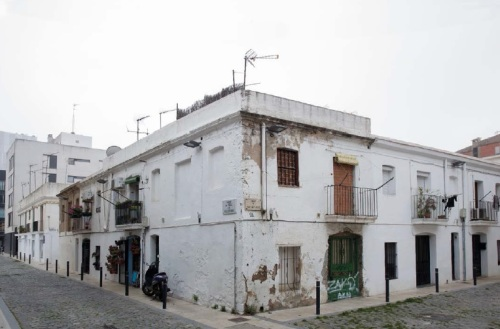 Restes de l'actic barri del Tauat, primer assentament estable a aquesta àrea de Sant Martí de Provençals